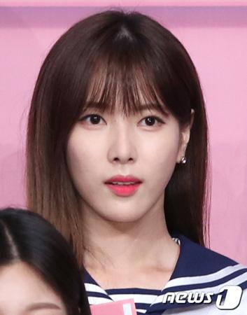 Mnet「アイドル学校」が終了後も有料文字メッセージ(ムンチャ)投票に関連した疑惑への余波が続いている。
