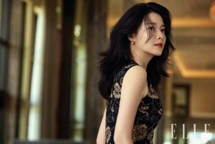 韓国女優イ・ヨンエ(46)が「師任堂(サイムダン)、色の日記」(2017)以来となるドラマ「イモン」(原題)で復帰することが分かった。(提供:news1)