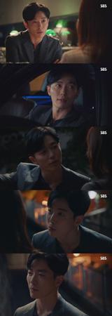 """少し前までも""""歴代級のサイコパス""""と呼ばれていた韓国俳優キム・ジェウク。しかしいつそんなことを言われていたのかと思うくらいに完ぺきなロマンチストとして戻ってきた。(提供:OSEN)"""