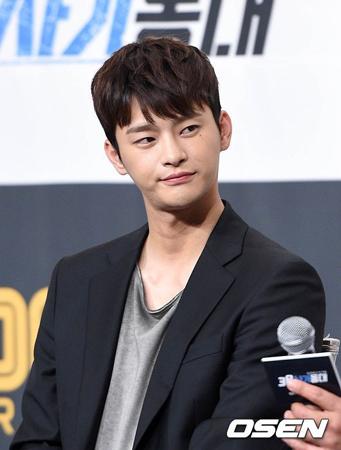 韓国歌手兼俳優のソ・イングクが、兵役免除に関する心境を明かした。(提供:OSEN)