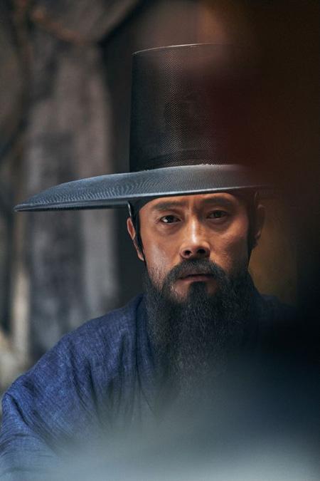 イ・ビョンホン主演映画「南漢山城」、公開4日で観客200万人突破! (提供:OSEN)