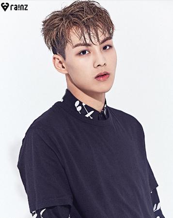 12日にデビューを控えている、韓国Mnetの「プロデュース101シーズン2」に出演していた練習生を集めたプロジェクトグループ「RAINZ」メンバーのソ・ソンヒョクが現在、入院している。(提供:OSEN)
