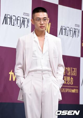 韓国俳優ユ・アインが、誕生日を記念して寄付や献血をしたファンに対する自負心を見せた。(提供:OSEN)