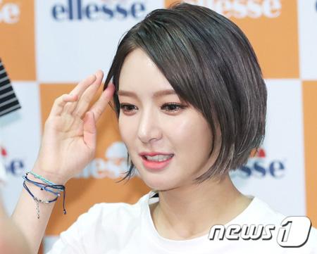 韓国ガールズグループ「AOA」を脱退したチョア(27)の芸能活動中断説が流れる中、FNC側が立場を明かした。