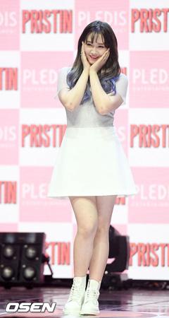 韓国ガールズグループ「PRISTIN」のカイラ(15)が健康上の問題により活動を中断する。