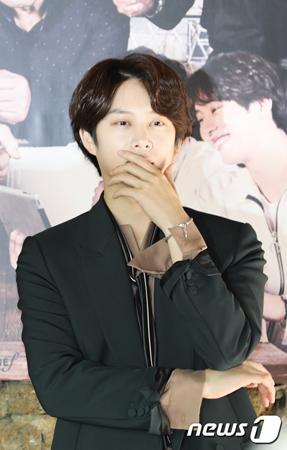 韓国アイドルグループ「SUPER JUNIOR」キム・ヒチョル(34)が自分自身は年配の方に好感を持たれると言及した。