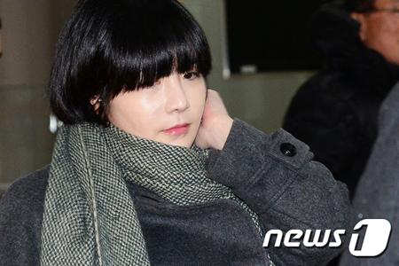 強制出国命令を受け米国で暮らしている韓国の女性タレント、エイミ(本名:イ・ユンジ、35)が約2年ぶりに韓国に一時帰国した。
