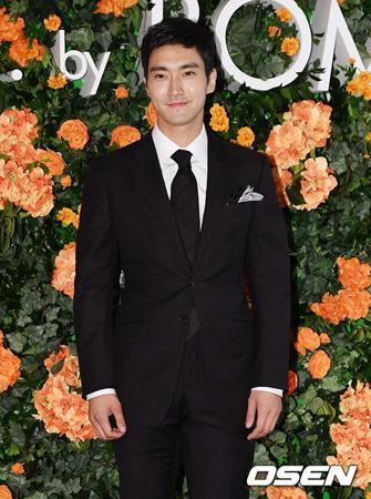 韓国ボーイズグループ「SUPER JUNIOR」メンバーのシウォンが、敗血症によって死亡した韓一館代表とその家族に対して謝罪の文章を掲載した。(提供:OSEN)