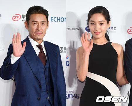 韓国俳優ソル・ギョング(49)と女優チェ・ヒソ(30)が主演賞を受賞し、映画「朴烈(パク・ヨル)」は5冠を手にした。(提供:OSEN)