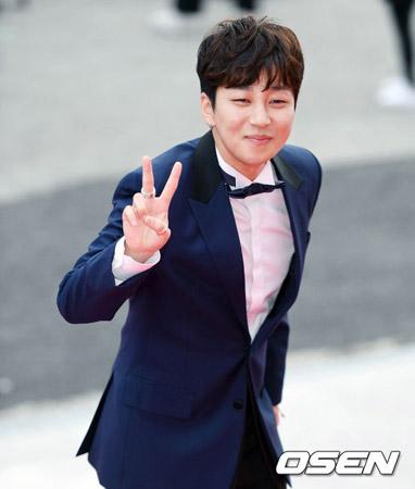 韓国のラッパー、DinDinがタレントではなくラッパーとしてのカリスマ性を放った。(提供:OSEN、2017年10月2日撮影)