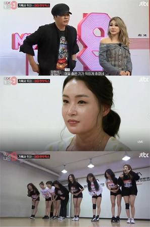 韓国の大手芸能事務所YGエンターテインメントのヤン・ヒョンソク代表プロデューサーがYama&Hotchicksの代表で振付師のペ・ユンジョンに会った。(提供:OSEN)