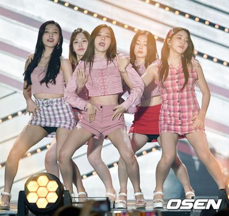 「Red Velvet」の魅力に釜山の5万人が熱狂=BOF(提供:OSEN、2017年9月撮影)
