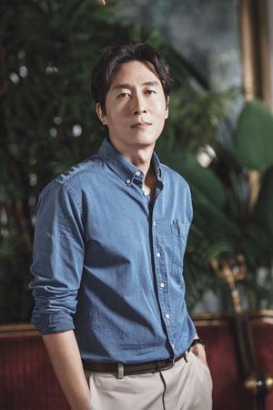 韓国・江南(カンナム)警察署側が俳優キム・ジュヒョク(享年45)の解剖に関する立場を明かした。(提供:OSEN)
