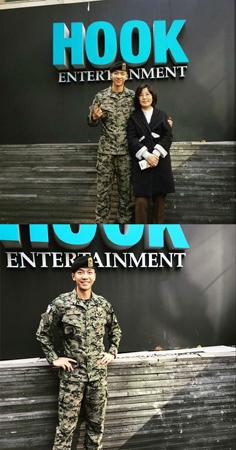 31日に除隊した韓国歌手で俳優のイ・スンギ(30)の写真を所属事務所hookエンタテインメント代表が公開した。(提供:news1)