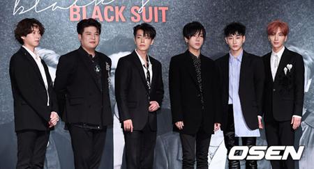 韓国アイドルグループ「SUPER JUNIOR」がチェ・シウォン(30)の活動不参加について「僕らも残念だ」と述べた。