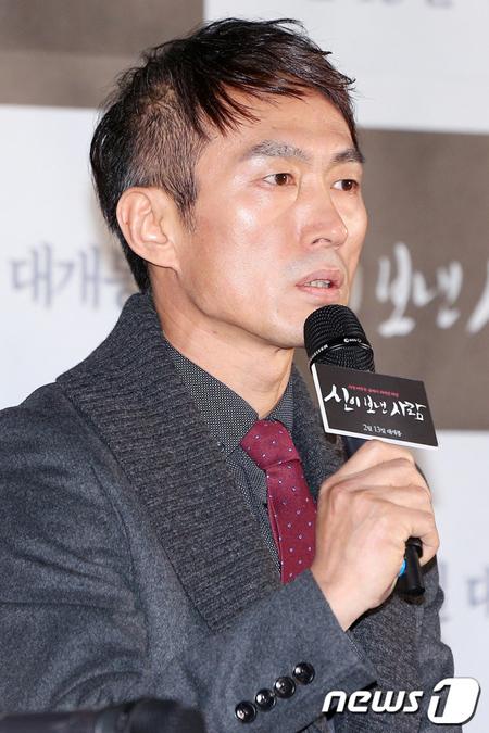 強制わいせつ致傷容疑の俳優チョ・ドクジェ、明日(7日)記者会見へ