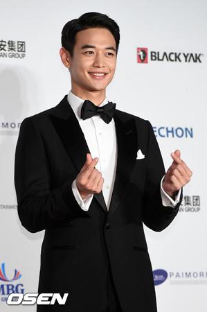 韓国アイドルグループ「SHINee」ミンホ(25)が青瓦台(大統領府)の招待を受けて、「ガールズプレイ2」キャンペーンで演説した感想を伝えた。