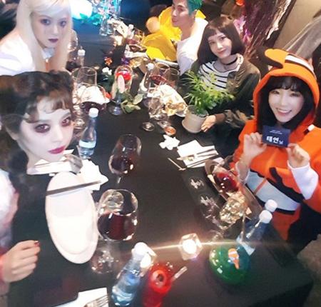 韓国ガールズグループ「少女時代」ヒョヨン(28)、テヨン(28)、ユナ(27)、サニー(28)が集合した。(提供:OSEN)