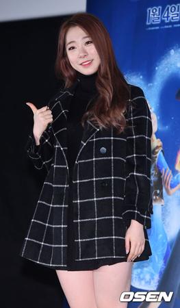 韓国ガールズグループ「宇宙少女」ヨンジョン(18)が大学生になる。