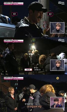 韓国俳優チャ・スンウォン(47)が、ボーイズグループ「Wanna One」の新曲MVを撮影しながらエールを送った。(提供:OSEN)