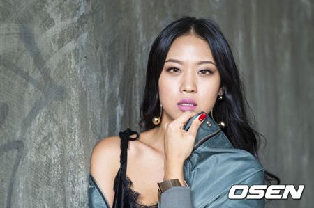 韓国の女性グループ「WASSUP」ナダ(26)、チンジュ(27)、ダイン(27)が所属事務所マフィアレコードとの仮処分訴訟で事実上、勝訴した。
