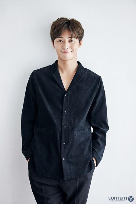 俳優パク・ソジュン、tvNバラエティ「ユン食堂2」合流へ=デビュー前のアルバイト経験がきっかけで抜てき(提供:OSEN)