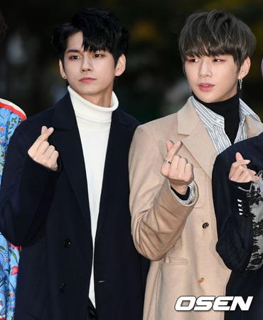 韓国ボーイズグループ「Wanna One」メンバーのカン・ダニエルとオン・ソンウが、SBSの音楽番組「人気歌謡」のスペシャルMCを務めることになった。(提供:OSEN)