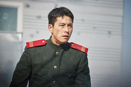 """俳優チョン・ウソンの""""北朝鮮なまり""""が話題、絶賛の声「北の俳優かと思った」(提供:OSEN)"""