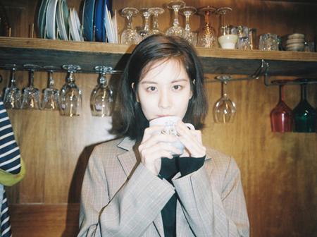 「少女時代」のメンバーたちが過去、多くの熱愛説が浮上したのとは違い、ソヒョン(26)はスキャンダル一つなく10年間活動したことについて自身の考えを明かした。(提供:OSEN)