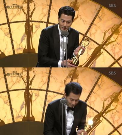 韓国ボーイズグループ「EXO」メンバーで俳優としても活躍しているD.O.が、新人男優賞を受賞した。(提供:news1)