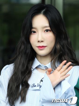 韓国ガールズグループ「少女時代」メンバーのテヨン(28)が、玉突き事故を起こした。(提供:news1)