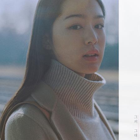 韓国歌手IU(アイユー)が初めて他の歌手の楽曲に作詞家として参加した。