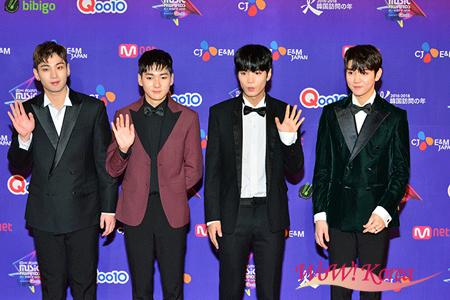 「NU'EST W」左からベクホ、アロン、JR、レン