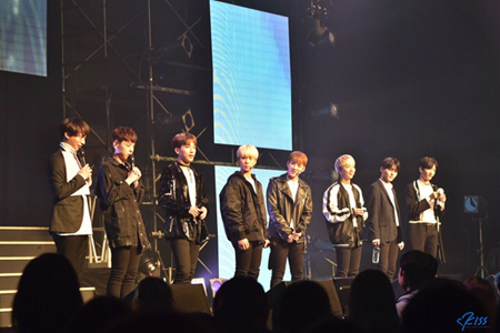 韓国のオーディション番組「プロデュース 101」から誕生した7人組グループ「RAINZ」