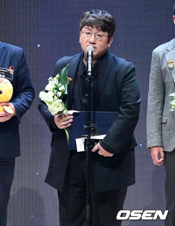 韓国アイドルグループ「防弾少年団」を輩出したBIGHITエンターテインメントのパン・シヒョク代表(45)が「2017大韓民国コンテンツ大賞」大統領表彰を受賞した。
