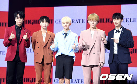 韓国男性グループ「Highlight」側が虚偽事実流布などに対し、強力に対応する立場だ。