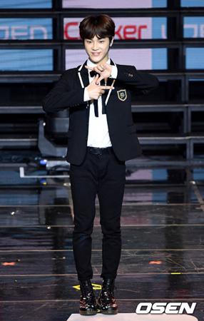 韓国アイドルグループ「THE BOYZ」のチュ・ハクニョン(18)がデビューの心境を語った。