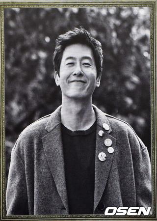 不慮の事故で亡くなった韓国俳優キム・ジュヒョク(享年45)の49日のミサにファンも共にするという。(提供:OSEN)
