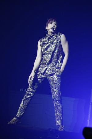 ウヨン(2PM)、ソロ初となる日本武道館2DAYS公演が大盛況で幕! (オフィシャル)