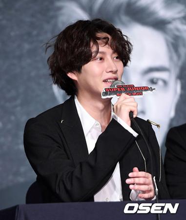 """韓国ボーイズグループ「SUPER JUNIOR」メンバーのヒチョルが、新曲「Charm of Life」の歌詞で""""女性嫌悪""""騒動に巻き込まれた。(提供:OSEN)"""