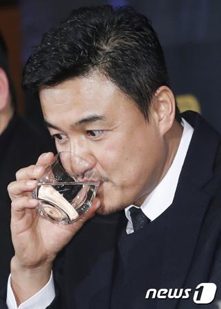 韓国俳優パク・チュンフン(53)が演技復帰後の負担感に苦痛だと打ち明けた。