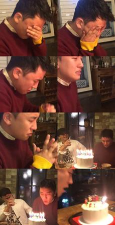 韓国・YGエンターテインメントのヤン・ヒョンソク代表(48)が「BIGBANG」V.I(スンリ、27)の誕生パーティー現場を公開した。(提供:OSEN)
