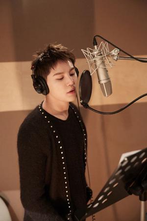 韓国ボーイズグループ「JYJ」メンバーのジュンスと歌手イム・チャンジョンのデュエット曲「We were..」が熱い反応を得ている。(提供:OSEN)