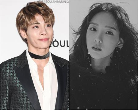 韓国ガールズグループ「少女時代」メンバーのテヨンのファンサイン会が、ボーイズグループ「SHINee」ジョンヒョン(享年27)の訃報を受けて延期されることになった。(提供:OSEN)