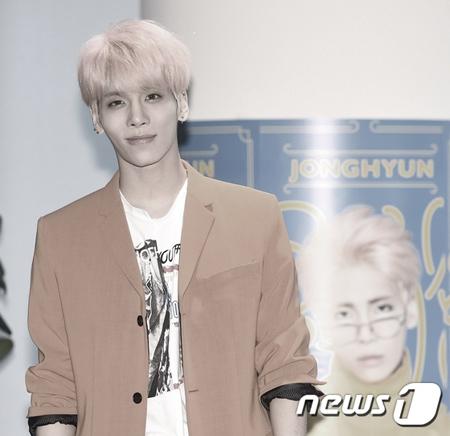 19日、ソウル峨山(アサン)病院によると、18日に死去した韓国人気アイドルグループ「SHINee」ジョンヒョン(享年27)の出棺が来る21日午前9時に決定した。