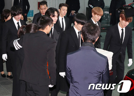 「SHINee」メンバー・「SJ」、「少女時代」ら、故ジョンヒョン(SHINee)と最後まで一緒に(提供:news1)