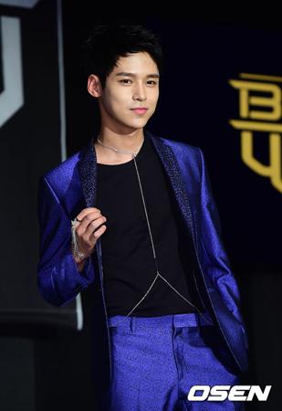 """KBS2TVアイドル再起「THE UNIT」で新たな""""ビジュアル王""""に急浮上しているジョンハ(24、BEATWIN)が以前所属していた事務所と再び手を結んだ。(提供:OSEN)"""