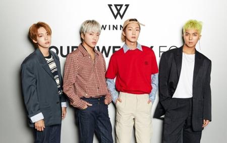韓国ボーイズグループ「WINNER」が来年2月に新曲を出す。YGエンタテインメントのヤン・ヒョンソク代表が自ら発表したのだ。(提供:OSEN)