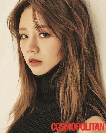 韓国MBCドラマ「トゥー・カップス」で社会部記者ソン・ジアン役を演じる女優ヘリ(23、Girl's Day)の画報が「COSMOPOLITAN」2018年1月号に掲載された。(提供:OSEN)