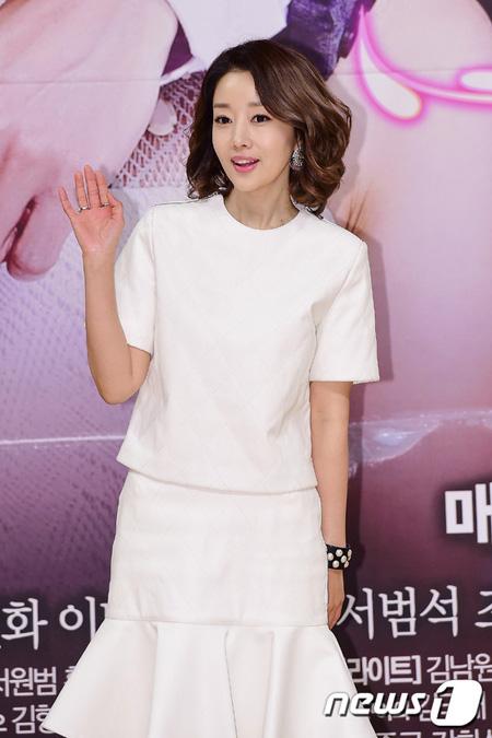 韓国女優ユンソナ(42)のカナダ移住説が報道された中、所属事務所は「個人的な理由でカナダに行くのは事実だが、移住まで考えているのではない」と明らかにした。(提供:news1)